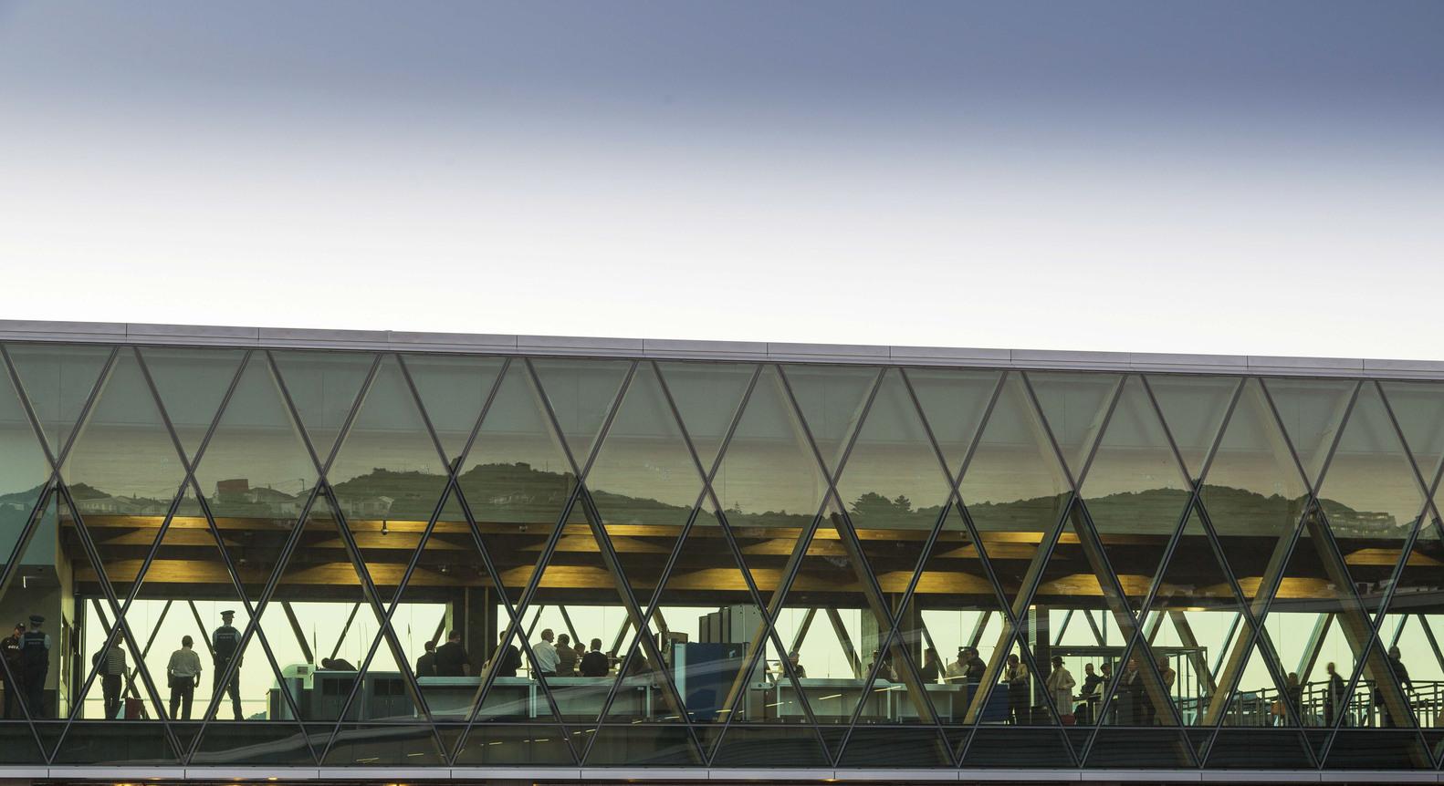 Wellington Havaalanı ek binası cephe tasarımı