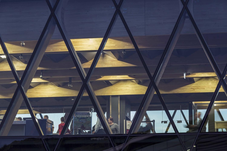 Wellington Havaalanı ek binası ahşap strüktür ve cephe tasarımı